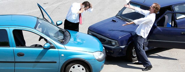 Signs you're a victim of a staged car crash (Thinkstock)