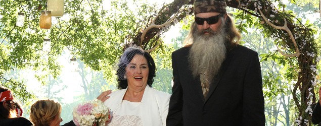 Uproar over 'Duck Dynasty' star's antigay talk