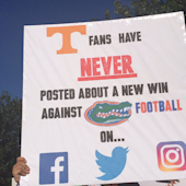 Florida fans had the best signs at Tennessee's 'College GameDay'