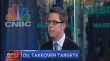 Oil plunge exposes takeover targets