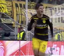 Christian Pulisic salvages draw for Dortmund day after Barcelona link emerges