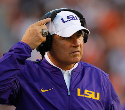 Tuscaloosa realtor uses Les Miles' firing for ingenious billboard