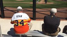Fan wearing Nolan Ryan jersey has no idea he's two feet from Nolan Ryan