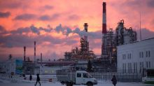 Lukoil's Middle East Head Sees Oil at $55-$65 a Barrel on Cuts