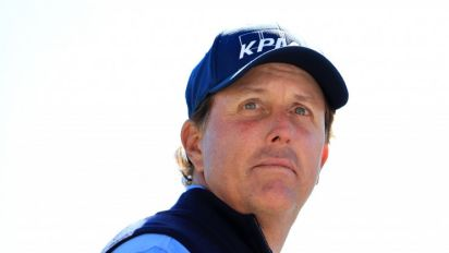 Phil Mickelson plans to plead the 5th