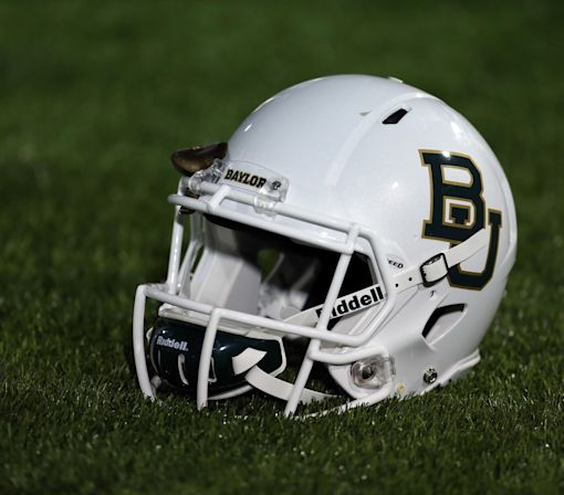 Brenda Tracy speaks to Baylor football and basketball teams