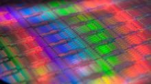 Intel Corporation Steps Up 7-Nanometer Investments