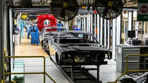 Will Fiat Chrysler Automobiles Try to Close a Canadian Factory?
