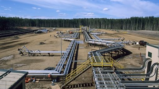 Will Suncor Energy Inc. Raise Its Dividend in 2017?
