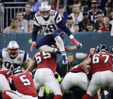 Report: NFL owners voting on rule banning players from leaping during FG, XP attempts