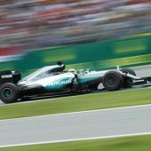 Formula One drivers give 'halo' cautious thumbs-up