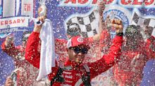 Kyle Larson survives late restarts to win at Fontana