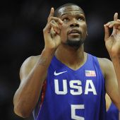 Kevin Durant Got A Hero's Welcome From Warriors Faithful Before A Team USA Game