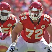 Chiefs, OT Eric Fisher agree to four-year extension
