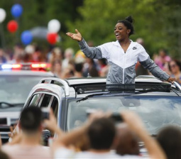 Houston celebrates U.S. gymnastics star's homecoming on 'Simone Biles Day'