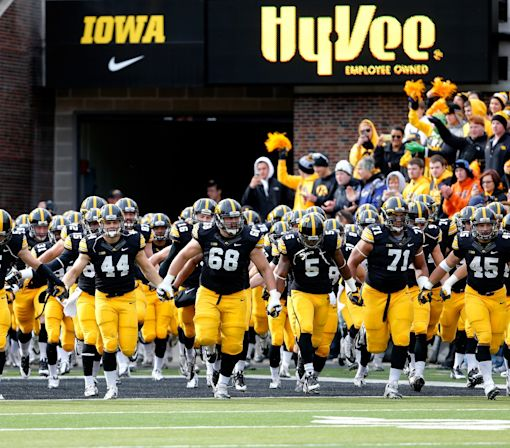 Iowa City PD releases video of police interaction with Iowa DL Faith Ekakitie