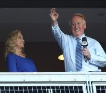 Vin Scully returns to Dodger Stadium to rally fans before Game 5