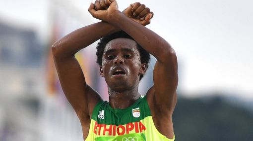 Olympics protest runner fails to return to Ethiopia